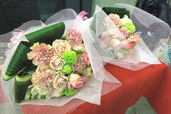 吹田市博物館にてウェディングパーティーの生花会場装飾